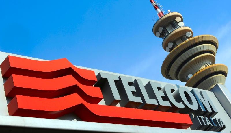 Telecom Italia: Calenda favorevole a scorporo e quotazioni rete