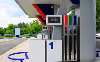 Carburanti a rischio rialzo, accordo di Enel con TotalErg