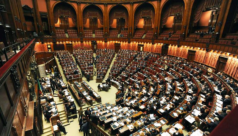Def il parlamento approva la nota di aggiornamento e lo for Diretta dal parlamento