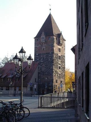 La Schuldturm, la torre in cui nel Medio Evo venivano rinchiusi i debitori. Norimberga.